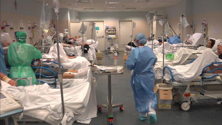 Secţiile ATI din spitalele Vaslui şi Bârlad nu mai au locuri libere pentru pacienţii cu COVID-19